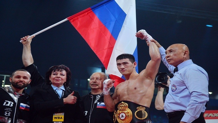 الملاكم الروسي بيفول يحافظ على لقبه العالمي بالقاضية