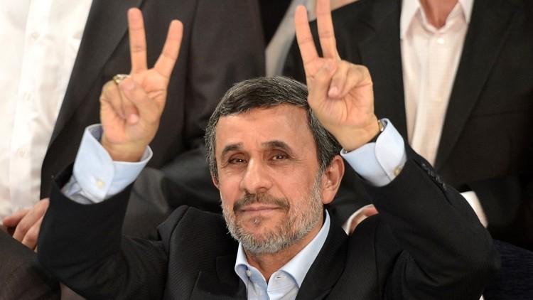 كيف علق محمود أحمدي نجاد على الهجوم الأمريكي على سوريا؟