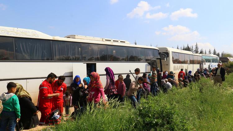 وصول أول دفعة من أهالي كفريا والفوعة إلى الراموسة جنوب حلب