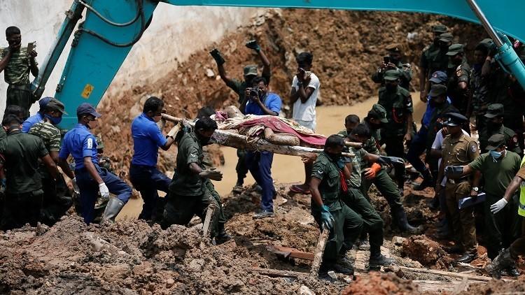 فقدان الأمل بالعثور على أحياء في انهيار مكب نفايات في سريلانكا