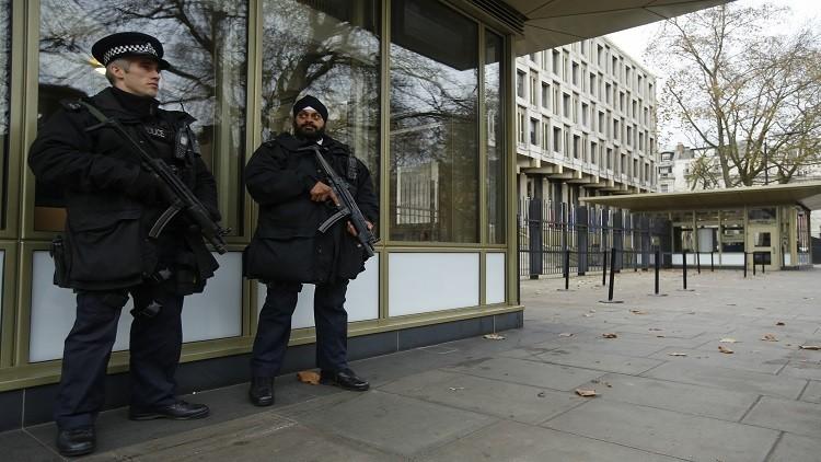 سفارة أمريكية تستجوب رضيعا