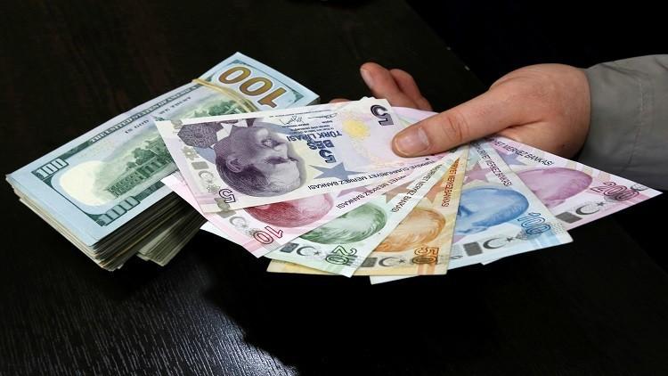 بعد الاستفتاء.. الليرة التركية تقفز أمام الدولار