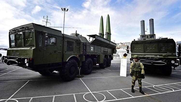 السوريون يتحصنون من الولايات المتحدة وراء الصواريخ الروسية
