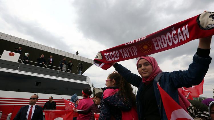 مراقبون أوروبيون: ارتكاب مخالفات في الاستفتاء التركي