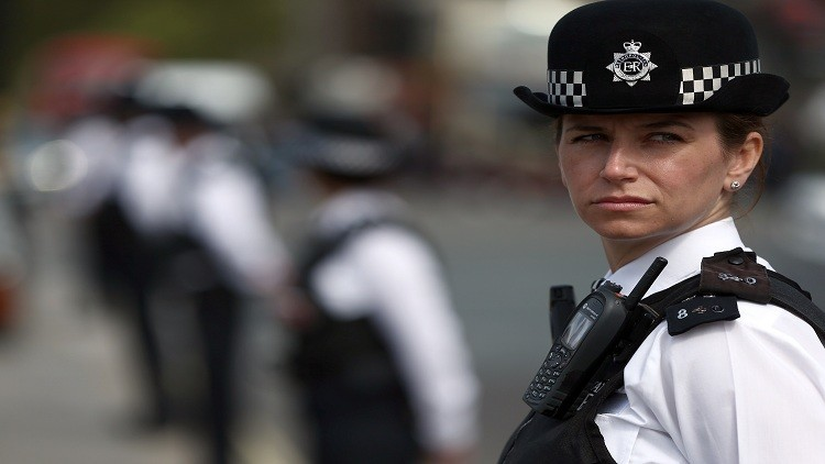 إصابة شخصين أحدهما ضابط بانفجار في لندن
