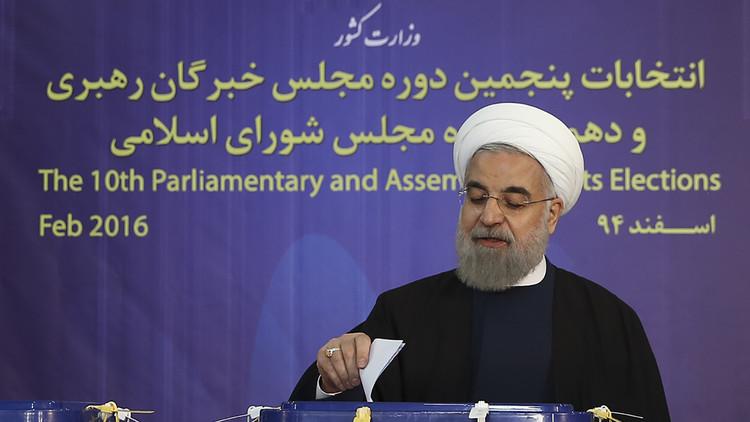 وزارة الداخلية الإيرانية تمنع نقل المناظرات الانتخابية مباشرة وروحاني غير راض
