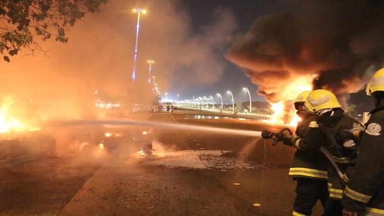 حريق هائل في السعودية على أوتوستراد مكة!