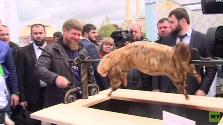 مهرجان اللحوم المشوية في العاصمة الشيشانية بمشاركة طباخين من مختلف أنحاء العالم