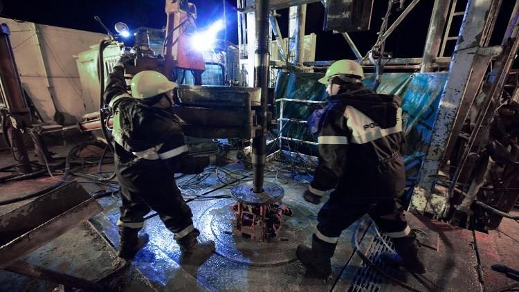 النفط ينتعش بعد هبوط حاد تجاوز الـ2%
