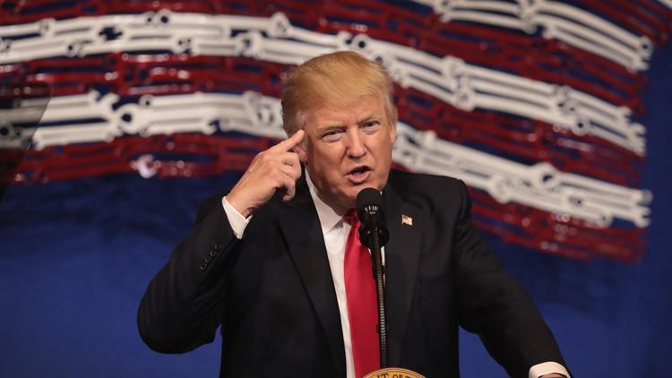 أطباء نفسيون أمريكيون: ترامب خطر على المجتمع!