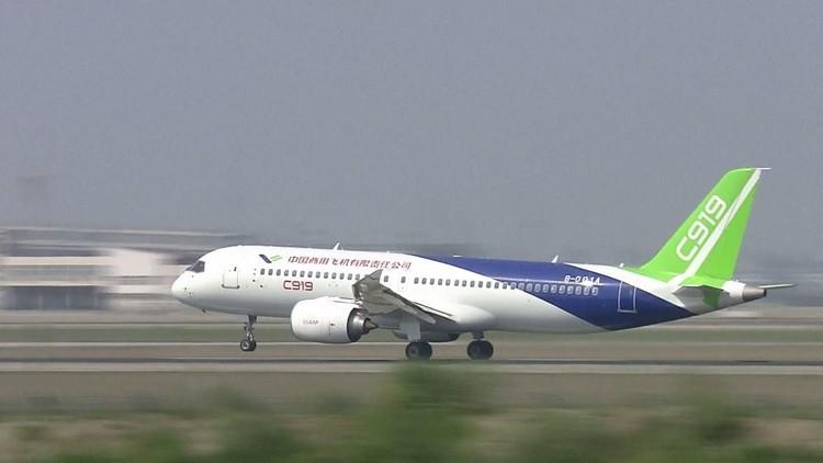 طائرة ركاب صينية جديدة تجري اختبارها الأول