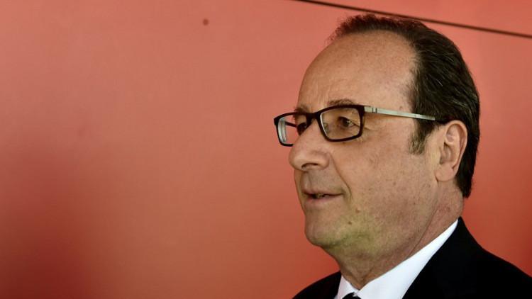هولاند يشكر الفرنسيين على المشاركة في الانتخابات ويحذر من فوز أقصى اليمين