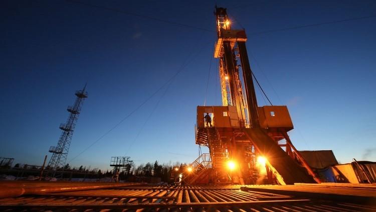 أسعار النفط تصعد مع احتمال تمديد اتفاق فيينا