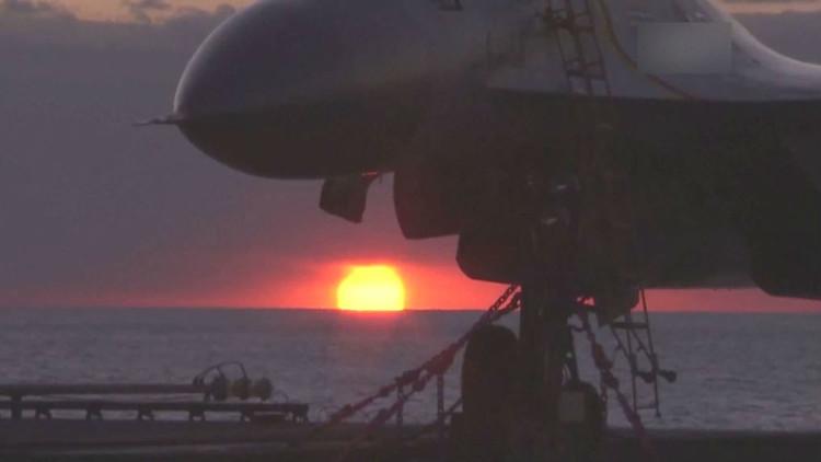 حاملة الطائرات الصينية الصنع تمخر عباب البحر (فيديو)