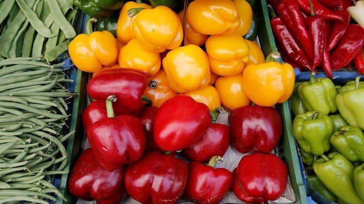 الإمارات تحظر استيراد الخضروات من دول عربية