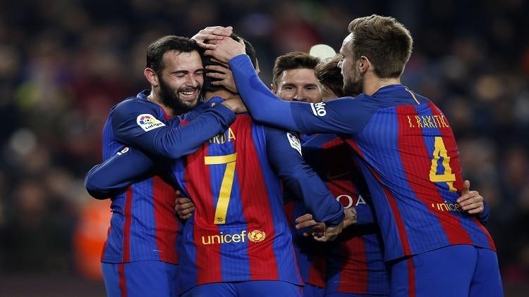 برشلونة يقرر التخلص من ثلاثة لاعبين
