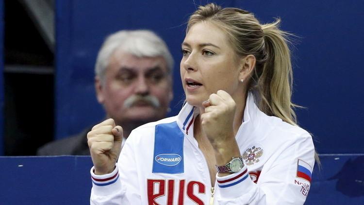 فيديو رائع للحظة عودة الحسناء شارابوفا إلى ملاعب التنس