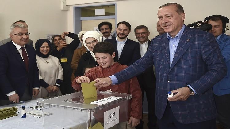 إعلان النتائج النهائية للاستفتاء في تركيا