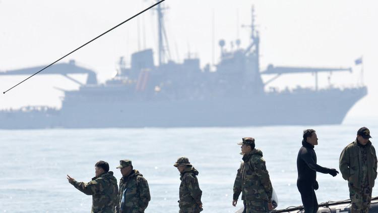 سفينة حربية مضادة للغواصات بـ 100 $