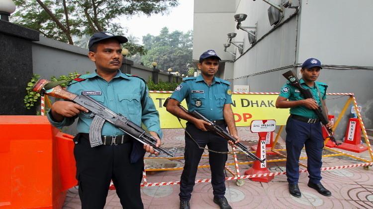 أربعة مسلحين يفجرون أنفسهم في بنغلادش تفاديا للوقوع في قبضة الأمن