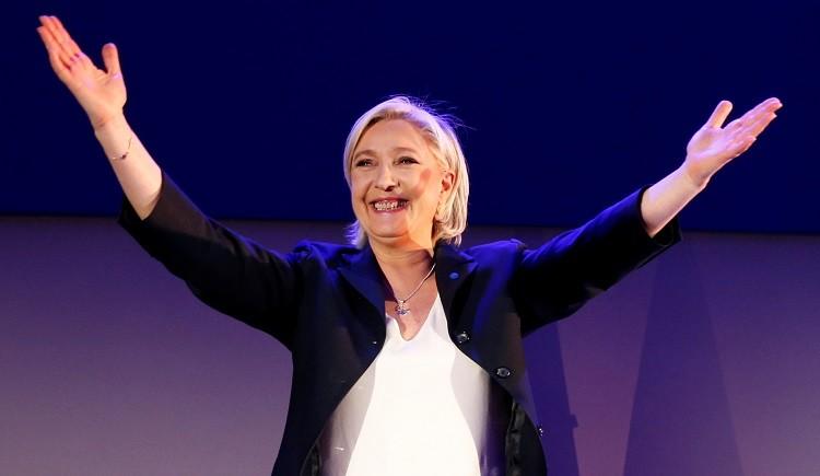 انتخابات الرئاسة الفرنسية.. ماكرون ولوبان إلى الجولة الثانية 7 مايو المقبل