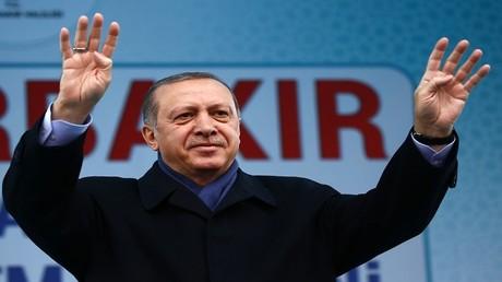 الرئيس التركي رجب طيب أردوغان في خطاب ألقاه جنوب شرق تركيا 1/4/2017
