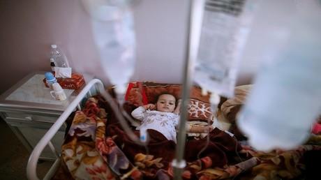 معاناة أطفال في مستشفيات اليمن