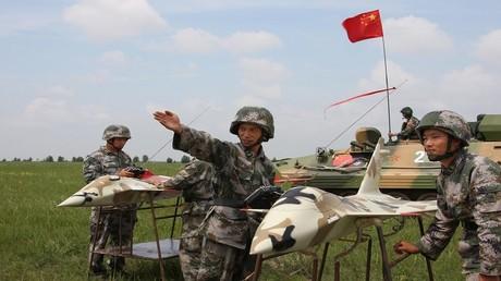 أرشيف - مناورات عسكرية مشتركة بين الصين وروسيا في تونان بمقاطعة جيلين الصينية، 14 يوليو 2009