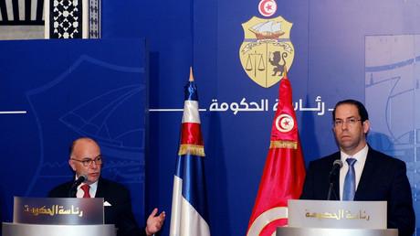 رئيس الحكومة التونسية يوسف الشاهد والوزير الأول الفرنسي برنار كازنوف