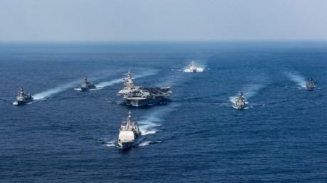 مجموعة كارل فينسون الهجومية التابعة للأسطول الأمريكى فى المحيط الهادئ