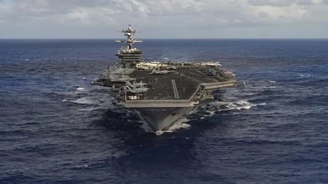 """حاملة الطائرات الأمريكية """"USS Carl Vinson"""" تمخر عباب المحيط الهادئ 30 يناير 2017"""