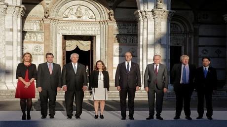 صورة تجمع وزراء خارجية مجموعة الدول السبع الكبرى، ومفوضة الشؤون الخارجية والأمن في الاتحاد الأوروبي، فيديريكا موغيريني، في لوكا، إيطاليا 10 أبريل 2017