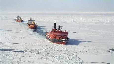 """أرشيف - كاسحات الجليد النووية """"يامال"""" يامال تفتح الطريق لقافلة من السفن في بحر كارا"""