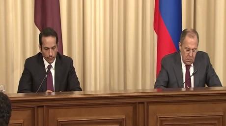 لافروف ونظيره القطري يبحثان الوضع بسوريا