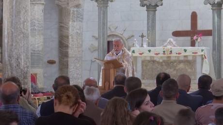المسيحيون العراقيون يحتفلون بعيد الفصح