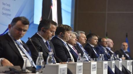 مشاركون في منتدى يالطا الاقتصادي الدولي