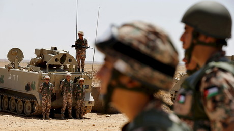عناصر من الجيش الأردني على الحدود مع سوريا