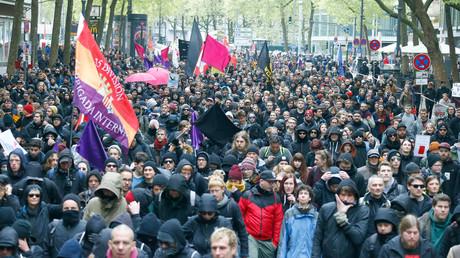 """تظاهرات حاشدة في كولونيا ضد """"البديل"""" المناهض للإسلام والمهاجرين"""