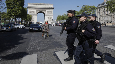 فرنسا.. مراكز الاقتراع تفتح أبوابها وسط إجراءات أمنية مشددة