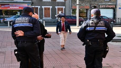 أفراد من الشرطة الفرنسية في مهمة