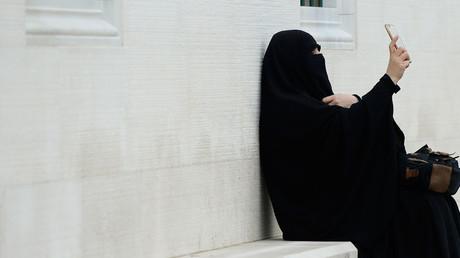 جدل بشأن الحجاب في بريطانيا