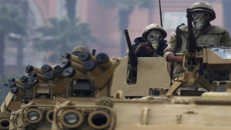 آليات وجنود من القوات المسلحة المصرية (أرشيف)