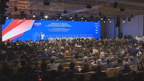 الناتو فقد موهبة الكلام الروسي