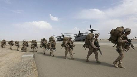جنود من مشاة البحرية الأمريكية - أرشيف