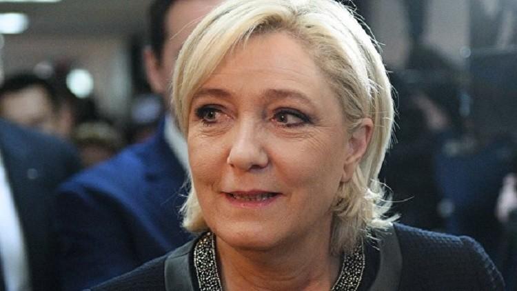 لوبان لماكرون: مع أي صلصة ستبلع الفرنسيين