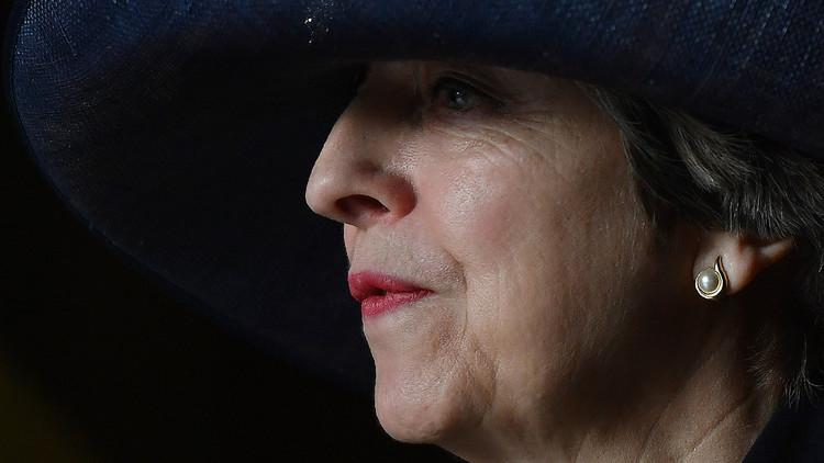 ماي تطلب من الملكة حل البرلمان