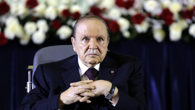 الجزائريون صامتون وبوتفليقة يخاطب الإعلام