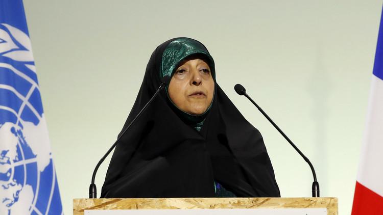 نائبة روحاني تدعو لإعادة انتخابه