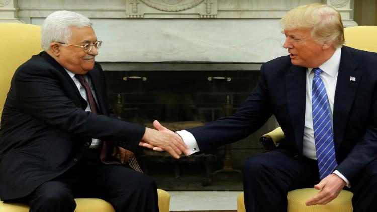 ترامب وعباس يؤكدان التزامهما بتحقيق السلام