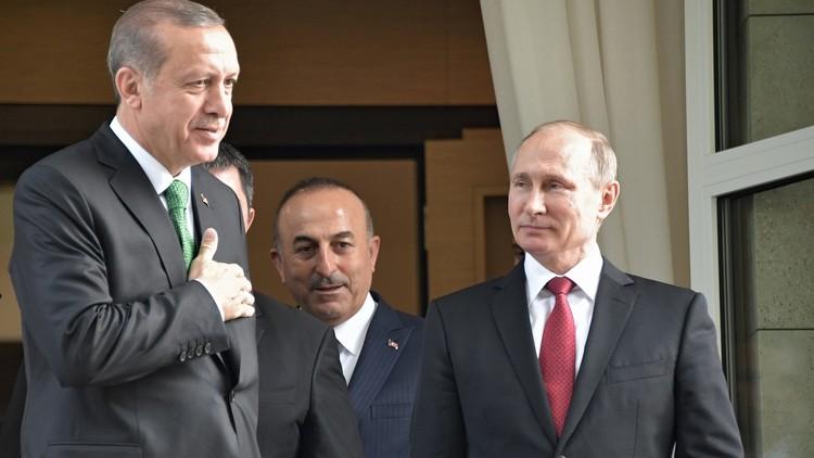 أردوغان: عرضت على بوتين صورا لعسكريين روس في عفرين!